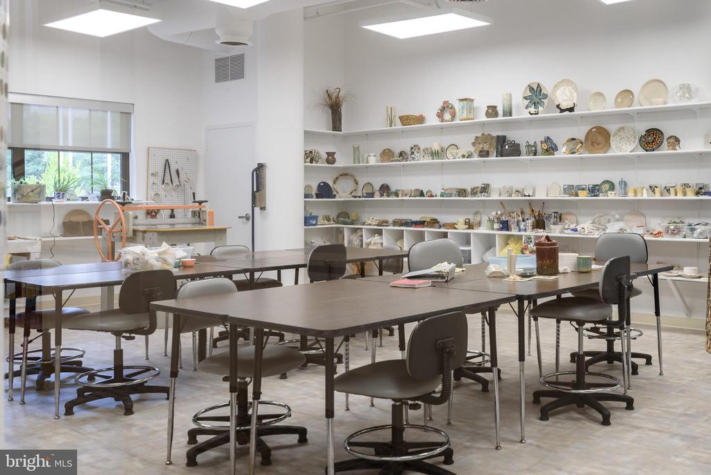 Ceramic Studio at Clubhouse - 19375 CYPRESS RIDGE TER #602, LEESBURG