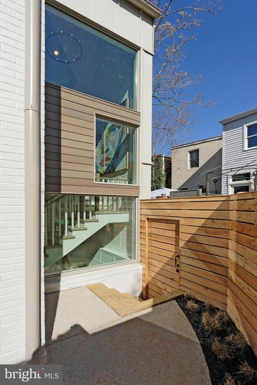 Glass stair tower allows the sun on all levels - 1015 D ST NE #B, WASHINGTON