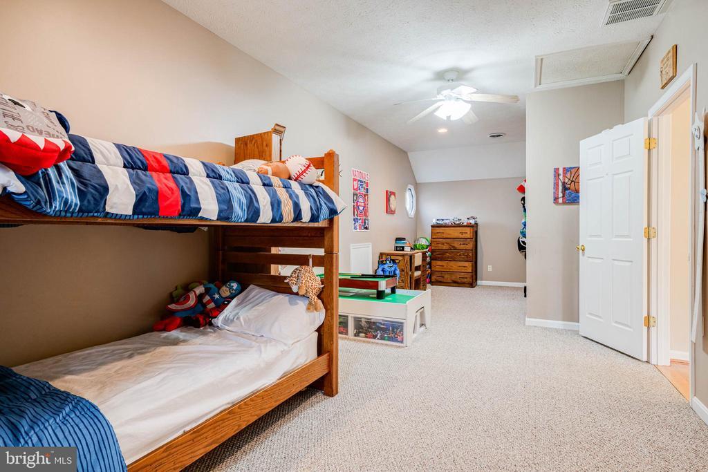 Upper Level Bedroom 2 - 350 ANGELS WAY, WINCHESTER