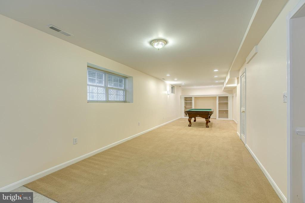 Oversized recreational room - 118 NORTHAMPTON BLVD, STAFFORD