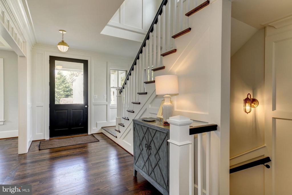 Enter through covered slate porch to foyer - 4856 33RD RD N, ARLINGTON