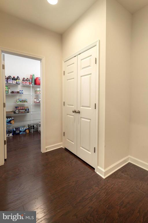 Mud Room Area - 6109 HUNT WEBER DR, CLINTON