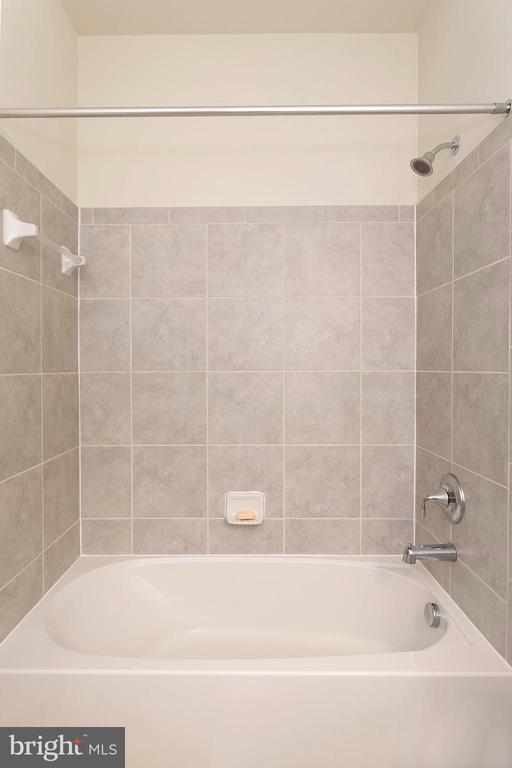 Bathroom Hall - 6109 HUNT WEBER DR, CLINTON