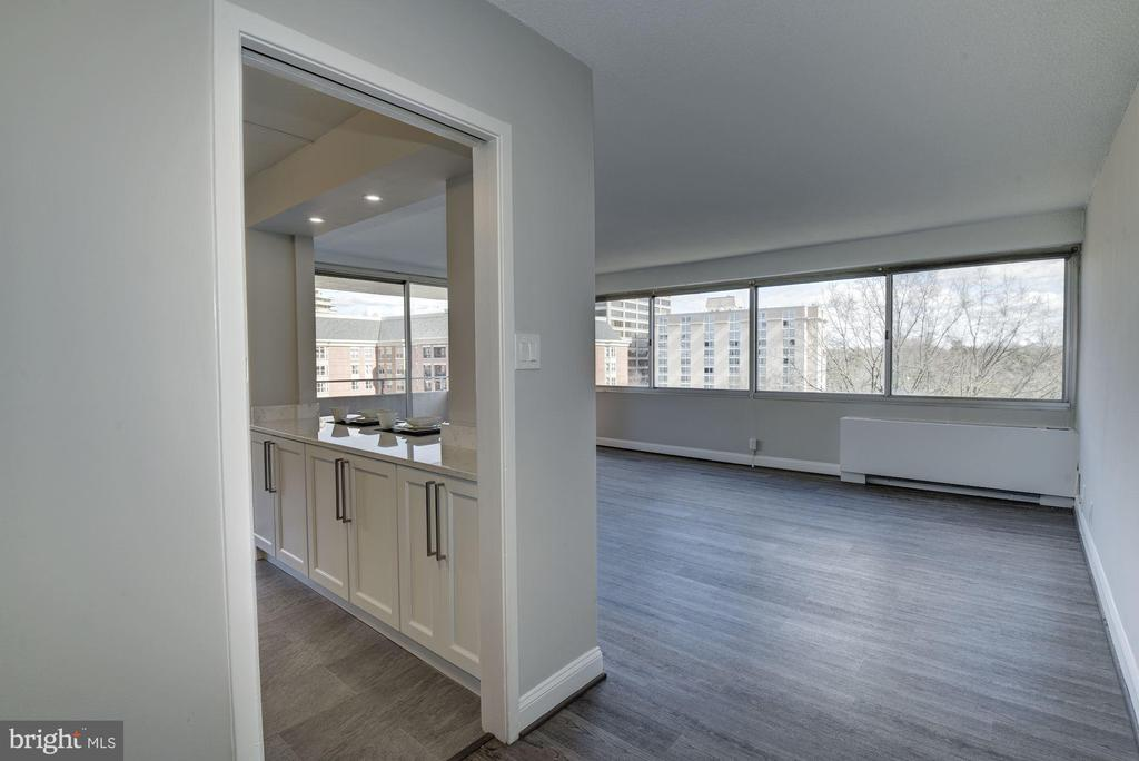 Brand New Flooring - 5500 FRIENDSHIP BLVD #1604N, CHEVY CHASE