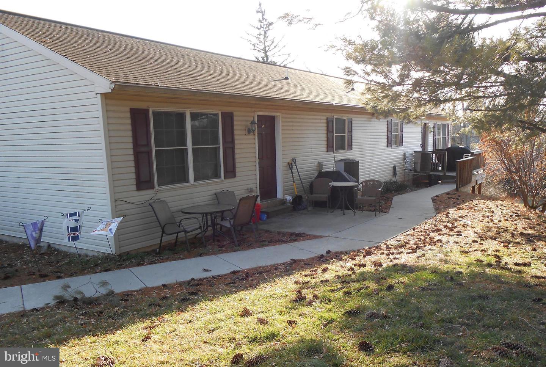 πολλαπλών Οικογένεια για την Πώληση στο 640 S OAK Street Manheim, Πενσιλβανια 17545 Ηνωμένες Πολιτείες