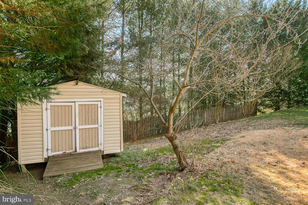 Shed - 265 GREENSPRING DR, STAFFORD