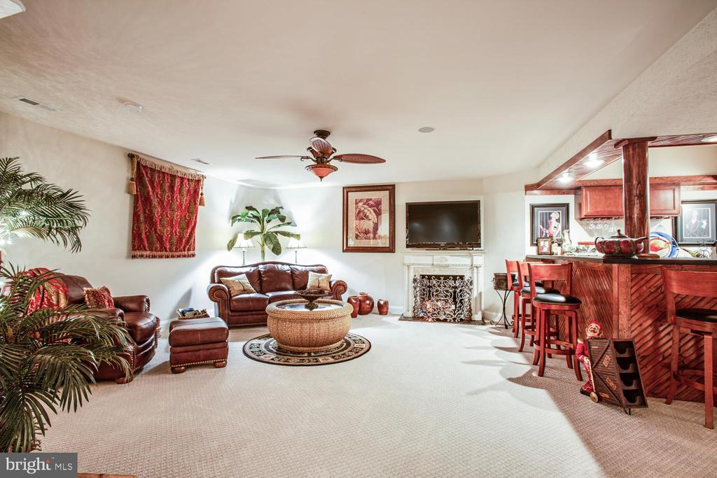 Basement recreation room - 11400 STONEWALL JACKSON DR, SPOTSYLVANIA