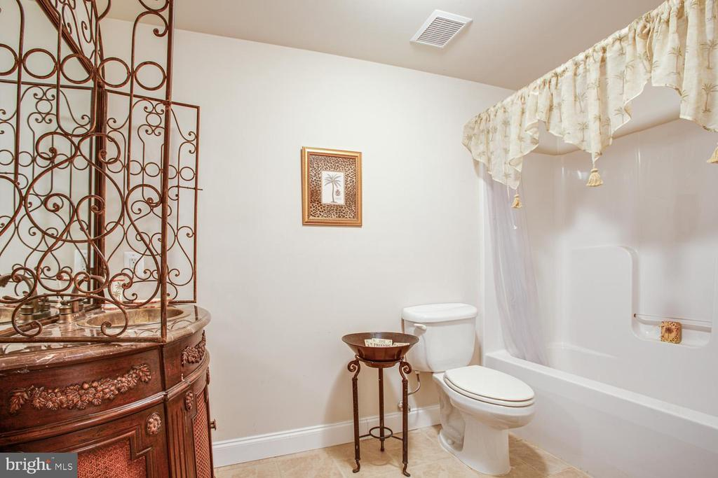 Basement full bathroom - 11400 STONEWALL JACKSON DR, SPOTSYLVANIA