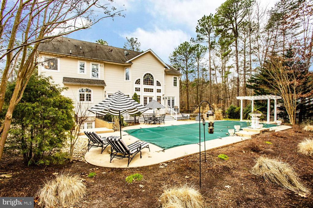 Custom hardscape overlooking the golf course! - 11400 STONEWALL JACKSON DR, SPOTSYLVANIA