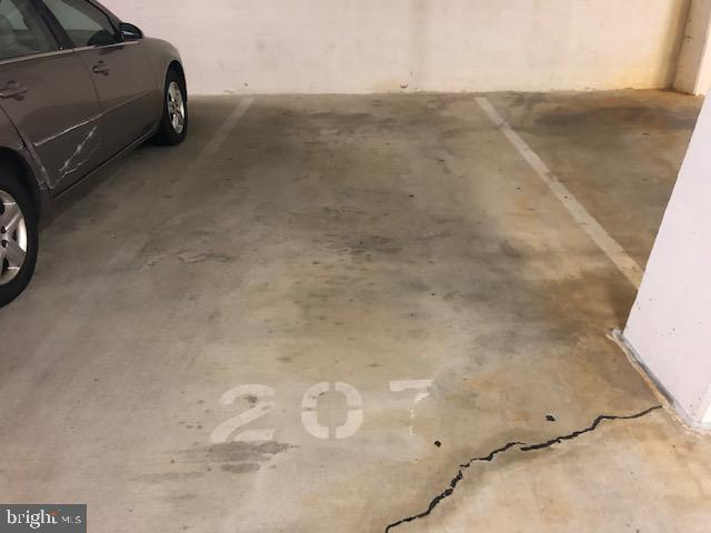 Garage Parking - 22 COURTHOUSE SQ #403, ROCKVILLE