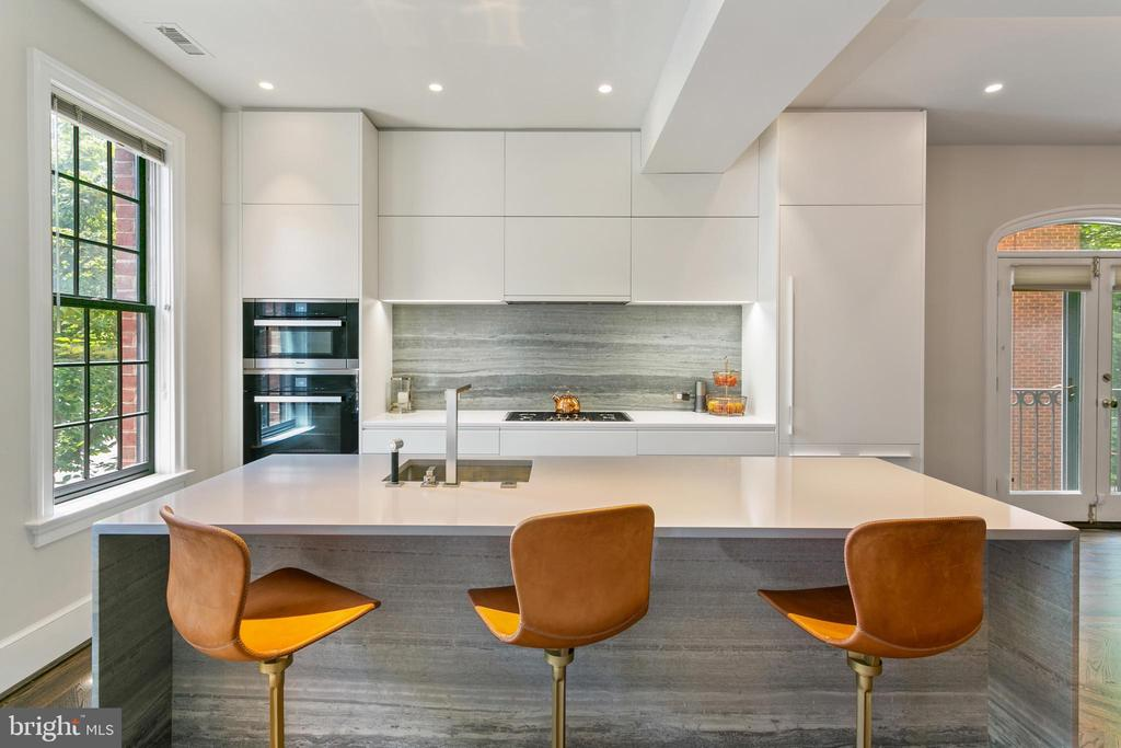 Gourmet Kitchen - 3087 ORDWAY ST NW, WASHINGTON