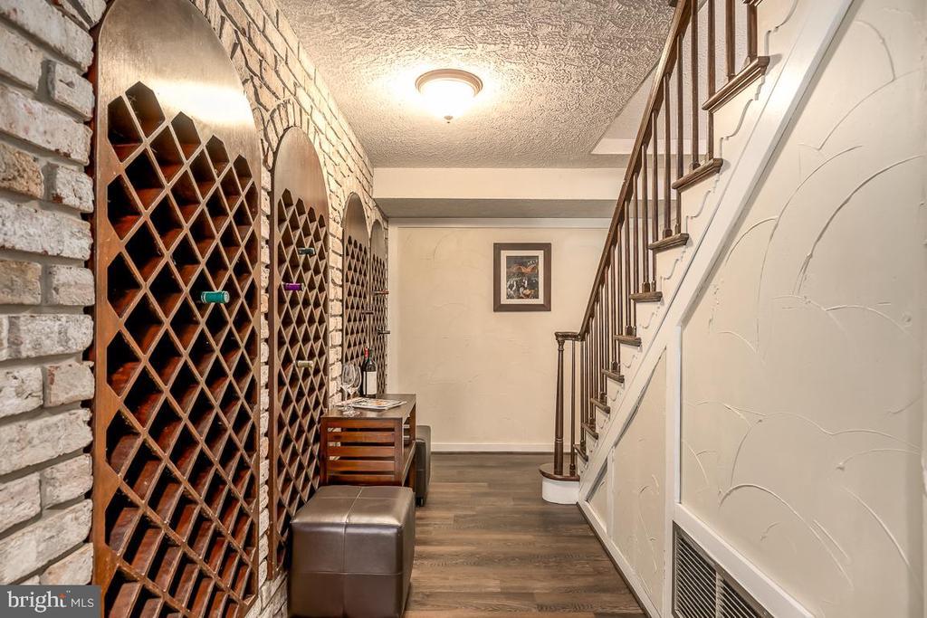 Wine Room - 14621 SPRINGFIELD RD, DARNESTOWN