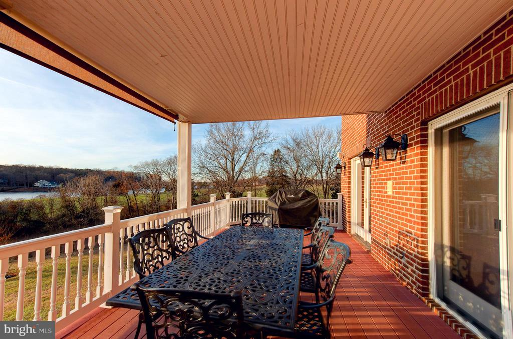 Back Deck Covered eating area - 7480 DON RD, MINERAL