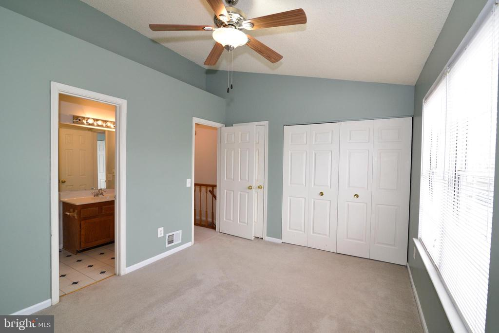 master bedrooms with fan - 14776 BASINGSTOKE LOOP, CENTREVILLE