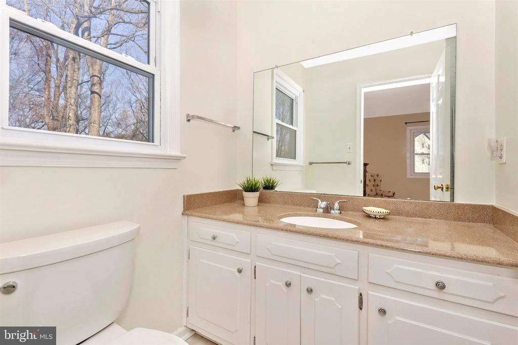 Master Bathroom - 5800 MEADOW DR, FREDERICK