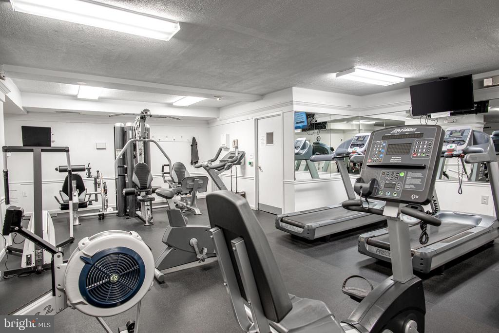 Fitness center on 4th Floor - 3001 VEAZEY TER NW #204, WASHINGTON