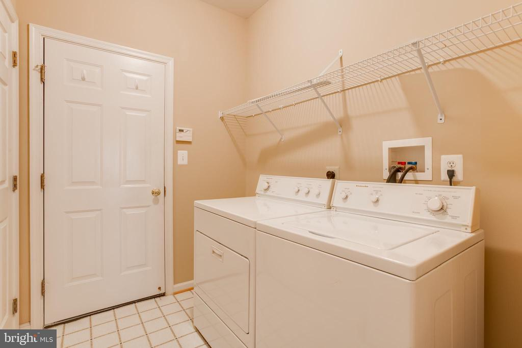 Main floor laundry room! - 13533 RYTON RIDGE LN, GAINESVILLE