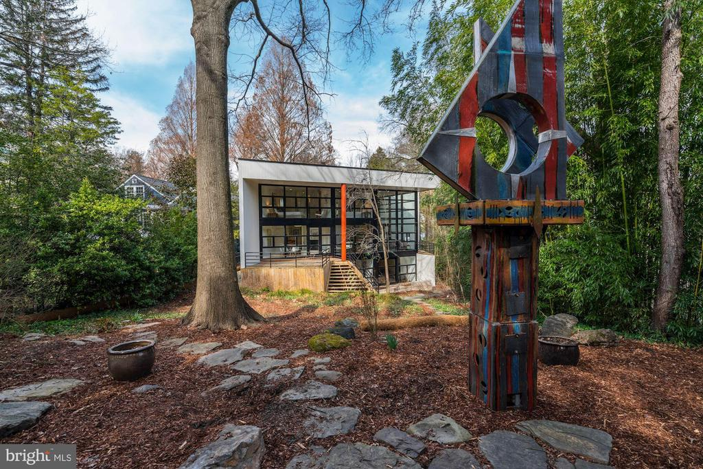 Magnificent Sculpture Garden - 4708 DORSET AVE, CHEVY CHASE