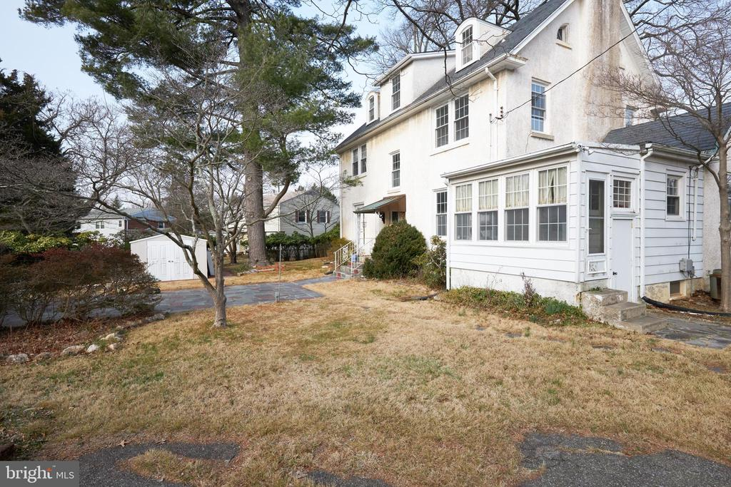 - 500 GREAT FALLS RD, ROCKVILLE