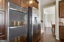 Kitchen Double Wall Oven - 18751 PIER TRAIL DR, TRIANGLE