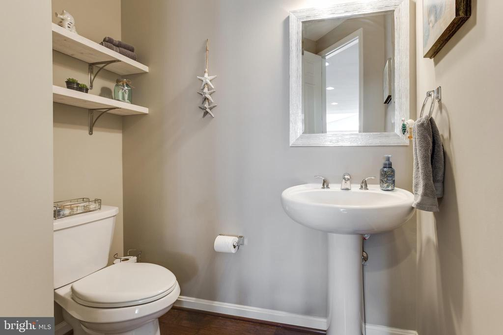Powder Room - 18751 PIER TRAIL DR, TRIANGLE