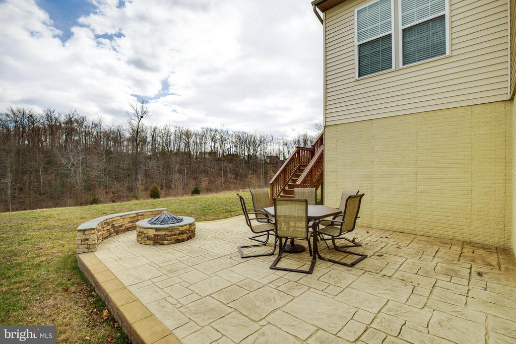 Patio with Fire Pit - 18751 PIER TRAIL DR, TRIANGLE