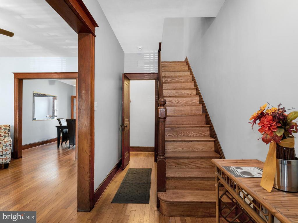 Beautiful entry foyer - 438 INGRAHAM ST NW, WASHINGTON