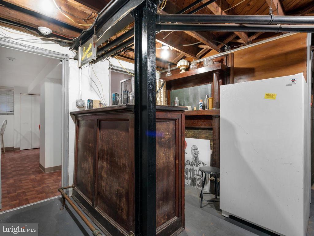 Custom Old Bar - 438 INGRAHAM ST NW, WASHINGTON