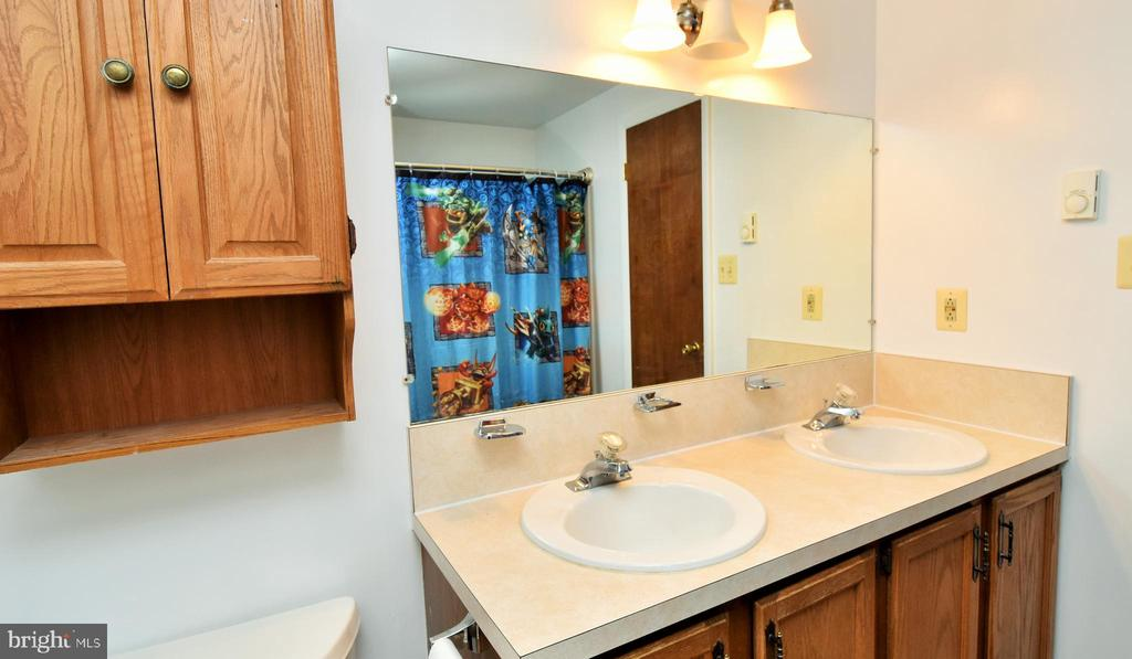 Full Bath with Double Sink Vanity - 424 PEMBROKE WAY, CHARLES TOWN