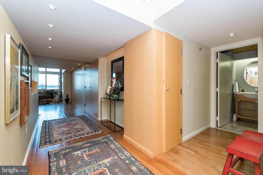 Foyer to main living areas. - 2901 BOSTON ST #214, BALTIMORE
