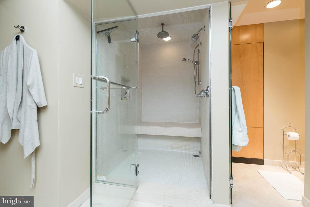 Steam Shower......complete stress reliever! - 2901 BOSTON ST #214, BALTIMORE