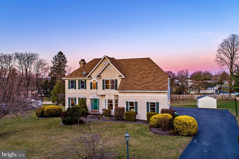 Single Family Homes για την Πώληση στο 5256 ROSEWOOD Drive Center Valley, Πενσιλβανια 18034 Ηνωμένες Πολιτείες