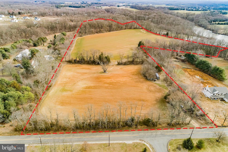 Additional photo for property listing at  Cream Ridge, 新泽西州 08514 美国