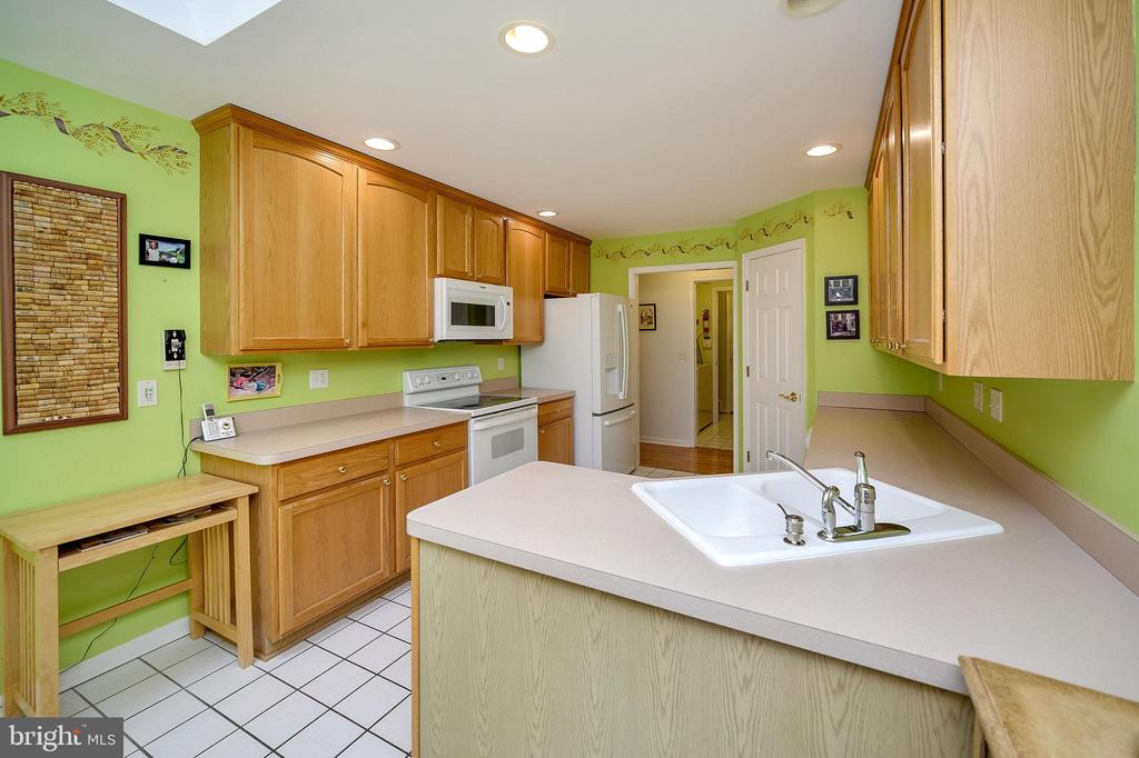 Lots of counter space. - 509 MT PLEASANT DR, LOCUST GROVE