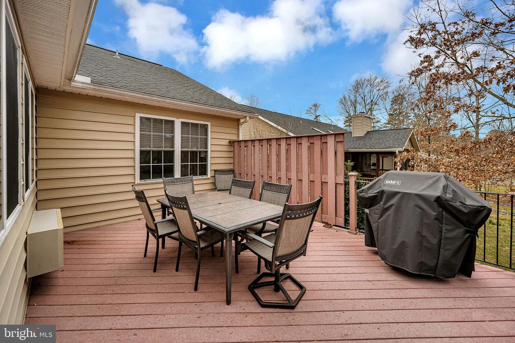 Lovely eating area. - 509 MT PLEASANT DR, LOCUST GROVE