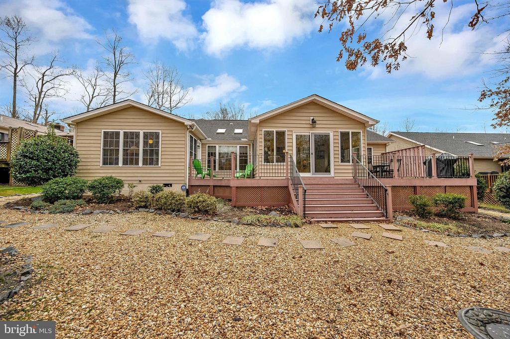 Perfect deck and yard for entertaining. - 509 MT PLEASANT DR, LOCUST GROVE