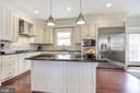 Classic and functional - 5536 30TH PL NW, WASHINGTON
