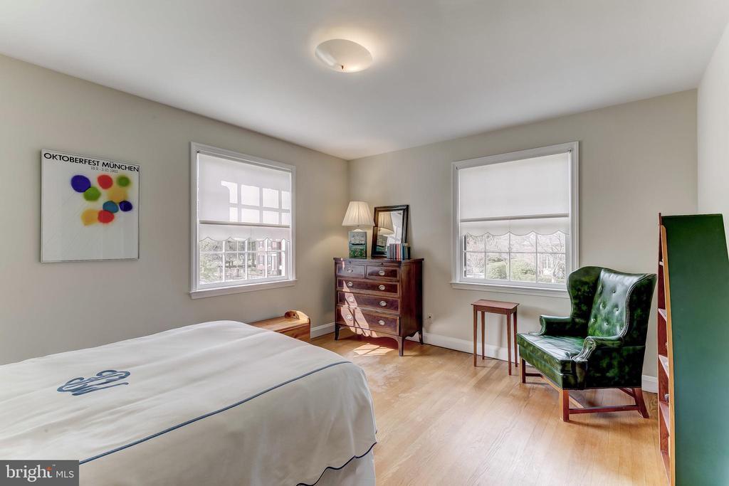 Bedroom 2 - 103 SAINT DUNSTANS RD, BALTIMORE