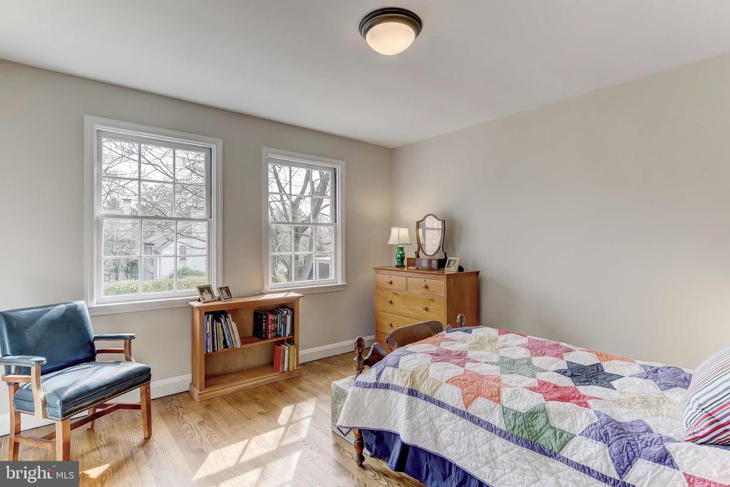 Bedroom 3 - 103 SAINT DUNSTANS RD, BALTIMORE