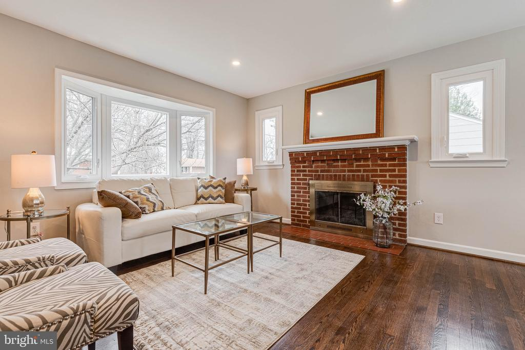 Large Bay Window brings in all the light! - 10219 RODGERS RD, FAIRFAX