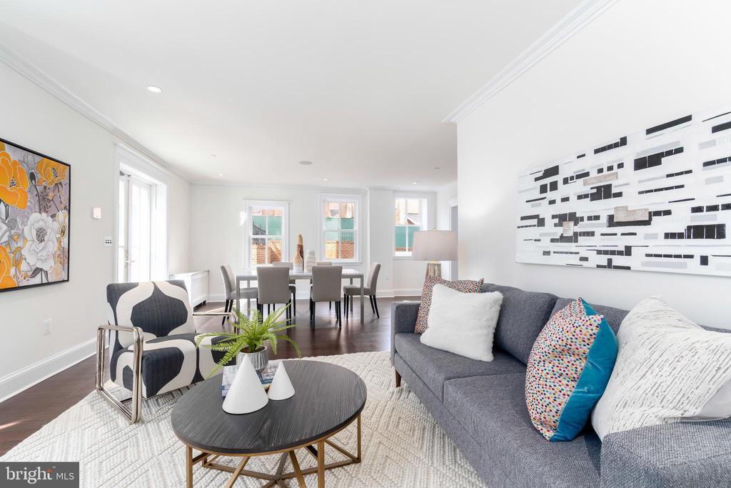 Living room - 2715 N ST NW, WASHINGTON