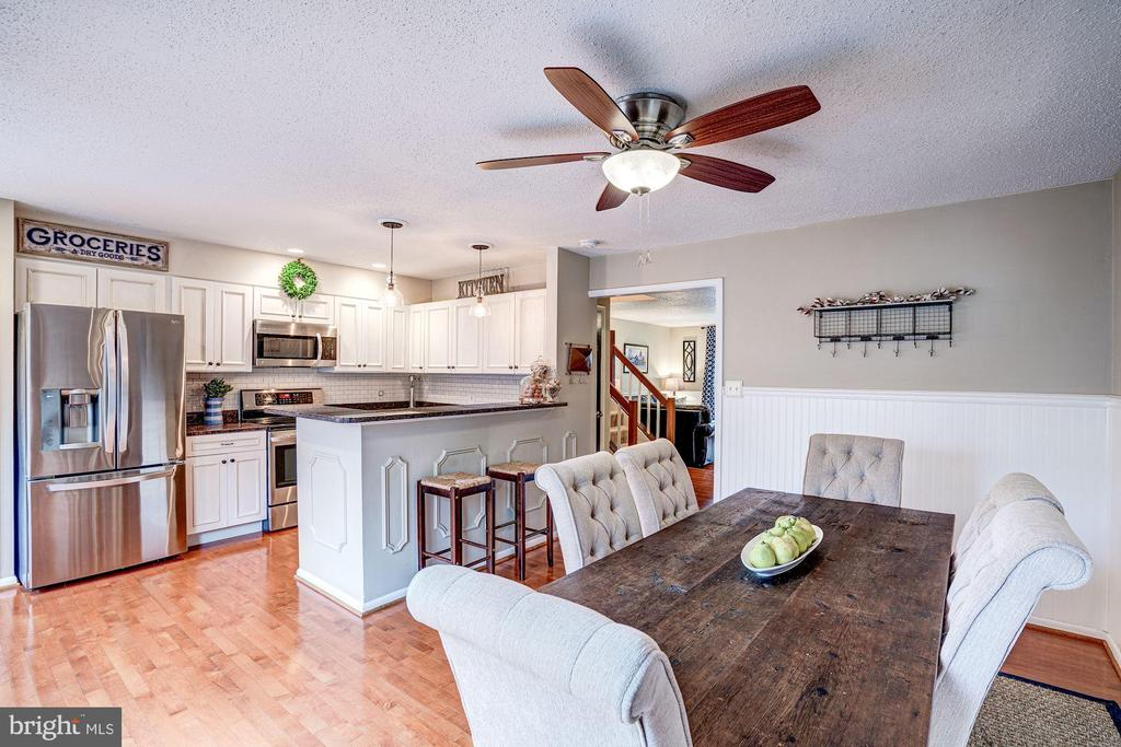 Kitchen - Clean Lines, Light, Bright, Sunny, Airy! - 1614 OAK SPRING WAY, RESTON