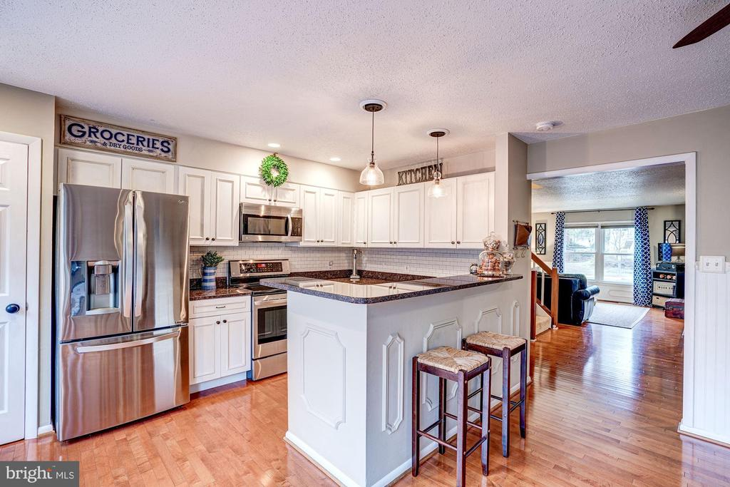 Kitchen - Hardwood Floors, Pendant Lighting! - 1614 OAK SPRING WAY, RESTON