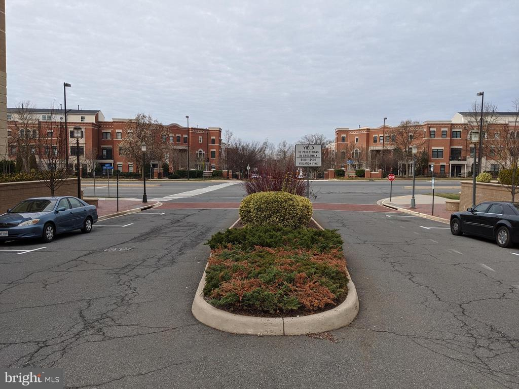 Immediate Access to Commuter Routes! - 12001 MARKET ST #150, RESTON