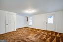 Large basement rec room with walk-out - 304 SEDGWICK CT, STAFFORD