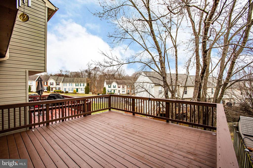 Oversized 16x16 deck; powerwashed/stained Feb 2020 - 304 SEDGWICK CT, STAFFORD