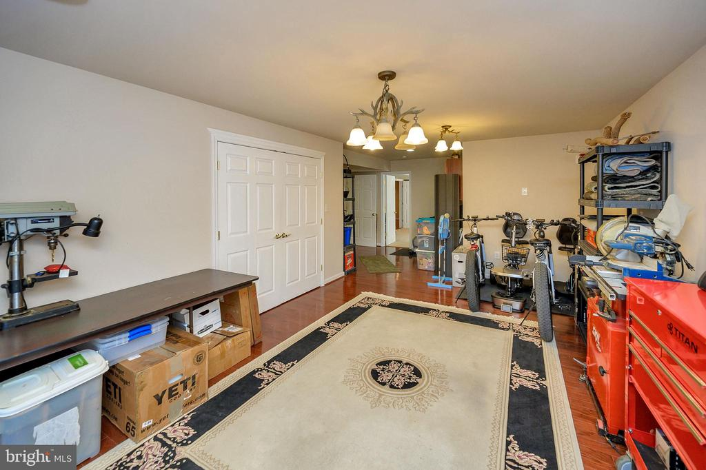 Game Room - perfect for pool table. - 200 SAND TRAP LN, LOCUST GROVE