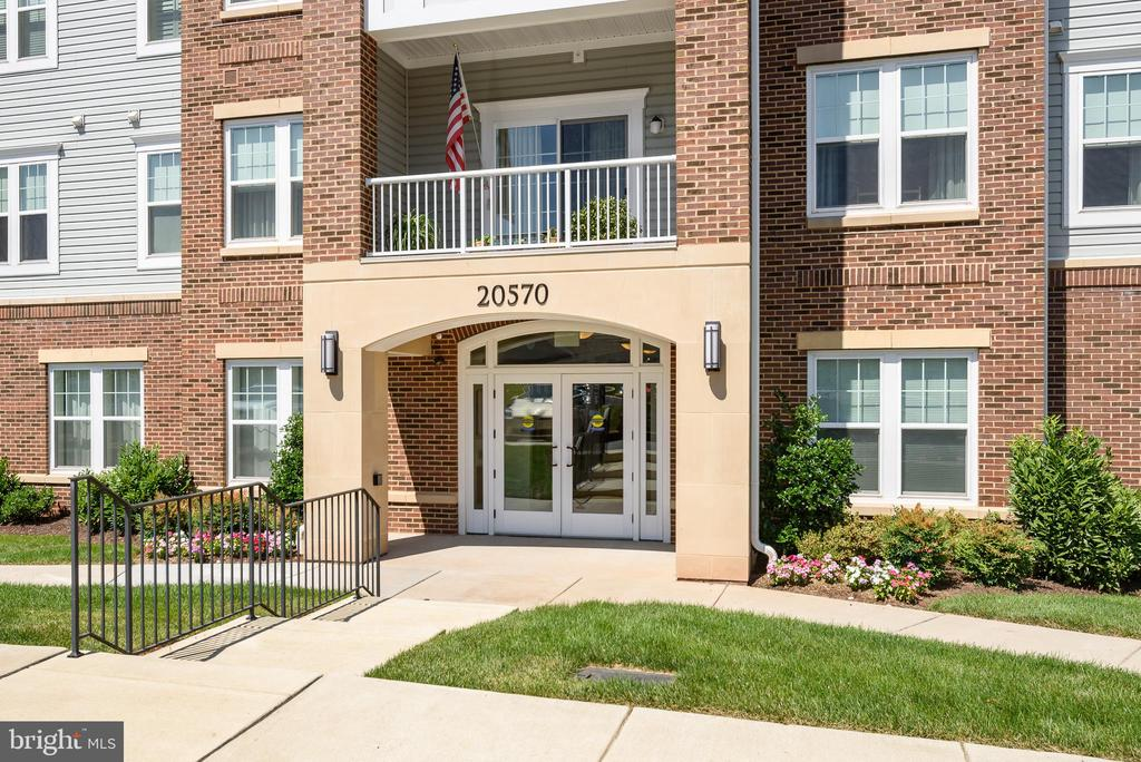 Convenient location - 20570 HOPE SPRING TER #206, ASHBURN