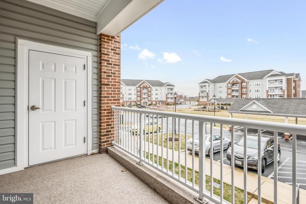 Spacious Balcony - 20570 HOPE SPRING TER #206, ASHBURN
