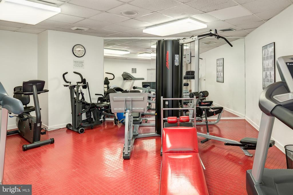 Building Fitness Center - 4601 N PARK AVE #1706, CHEVY CHASE
